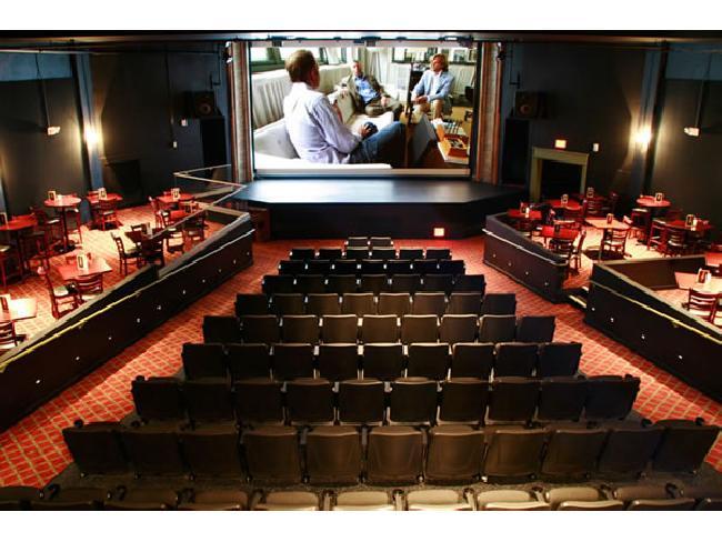 ไปดูหนังกันเถอะ! รวม 7 โรงภาพยนตร์จากทั่วทุกมุมโลก พร้อมความอลังการ บรรยากาศสุดโรแมนติก