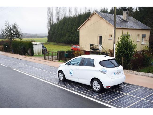 [ที่สุดในโลก] ประเทศฝรั่งเศสเผยโฉมถนนทำจากแผงโซล่าเซลล์ เพื่อสร้างพลังงานไฟฟ้าให้กับไฟถนน