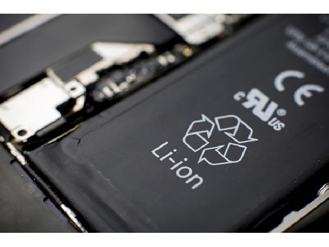 นักวิจัยคิดค้นแบตฯ Lithium-ion เสริมสารเคมีด้วยวิธีพิเศษ ป้องกันไฟลุกไหม้ได้ในระยะเวลา 0.4 วินาที