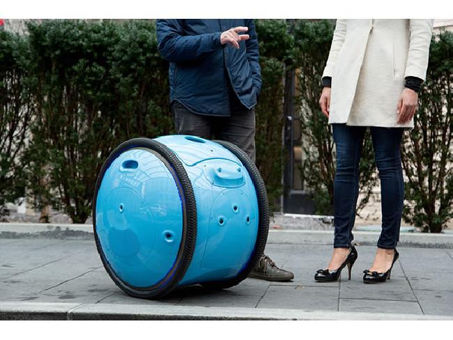 ช้อปปิ้งเพลิน! Piaggio Gita หุ่นยนต์บรรจุของไม่ต้องถือให้หนักอีกต่อไป พร้อมระบบสแกนลายนิ้วมือยืนยันตัวตน