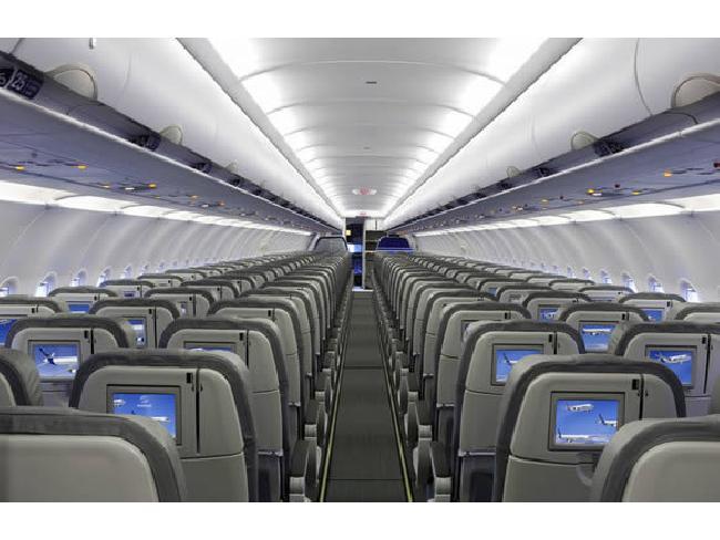 FCC เล็งยกเลิกแผนอนุญาตให้ผู้โดยสารคุยโทรศัพท์มือถือระหว่างเที่ยวบิน