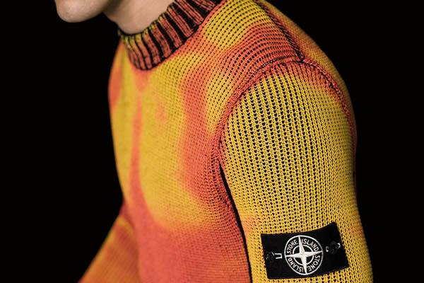 Stone Island เผยโฉมคอลเลคชั่นเสื้อสเว็ตเตอร์สไตล์ใหม่ที่เปลี่ยนสีได้เองเมื่อสัมผัสกับความหนาวเย็น