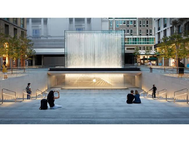 ชมภาพบรรยากาศ และทัศนียภาพของร้านใหม่ Apple Piazza Liberty Store ใจกลางมิลาน