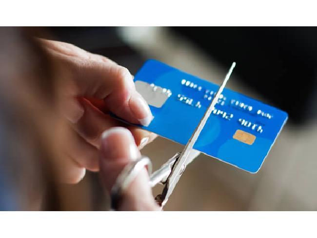 ยุคของการใช้บัตรเครดิตชำระเงินกำลังจะสิ้นสุดลง (และนั่นเป็นสิ่งที่ดี)