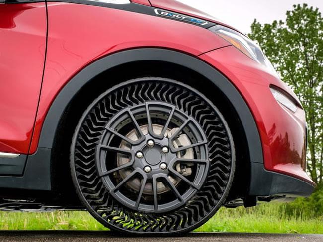 ลดอุบัติเหตุ! GM และ Michelin เปิดตัวล้อยางรถยนต์ไม่ต้องเติมลม คาดเริ่มใช้งานจริงปี 2024