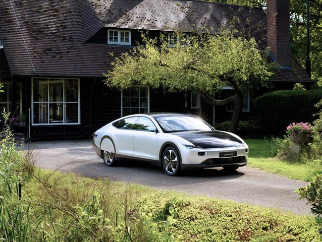 lightyear เผยโฉมรถยนต์คอนเซ็ปต์ที่วิ่งด้วยพลังงานแสงอาทิตย์ได้ไกลถึง 725 กิโลเมตร
